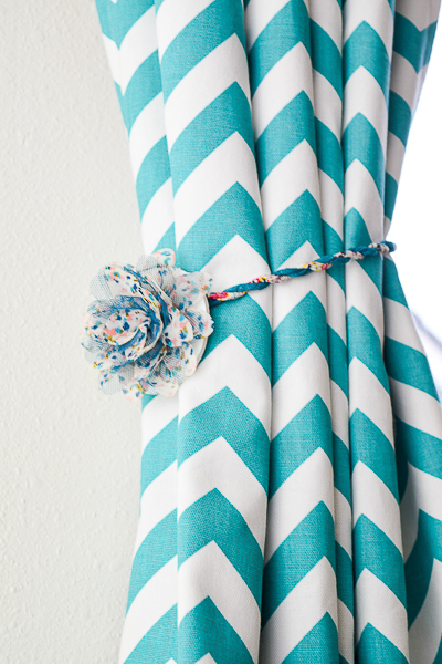 These magnetic curtain tie backs are perfect for renters who can't put holes in the walls for curtain hooks!