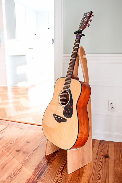 how to make a folding guitar stand pretty handy girl. Black Bedroom Furniture Sets. Home Design Ideas