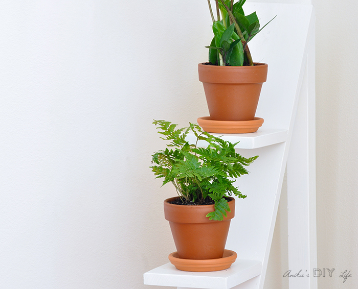 Easy two-tiered plant stand made from scrap wood