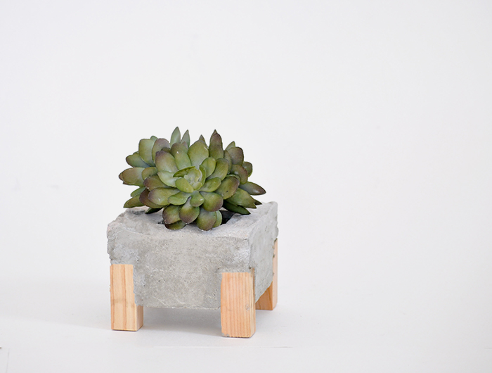 how to make a concrete wood planter