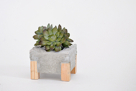 How to make a Concrete and Wood Planter   Pretty Handy Girl