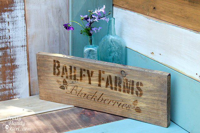 Bailey Farm Crate End Sign