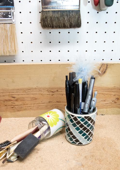 DIY Concrete Desk Organizer- old pen jar tips over