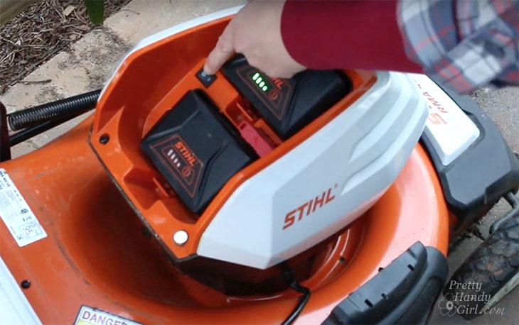 pressing eco mode on STIHL RMA 460
