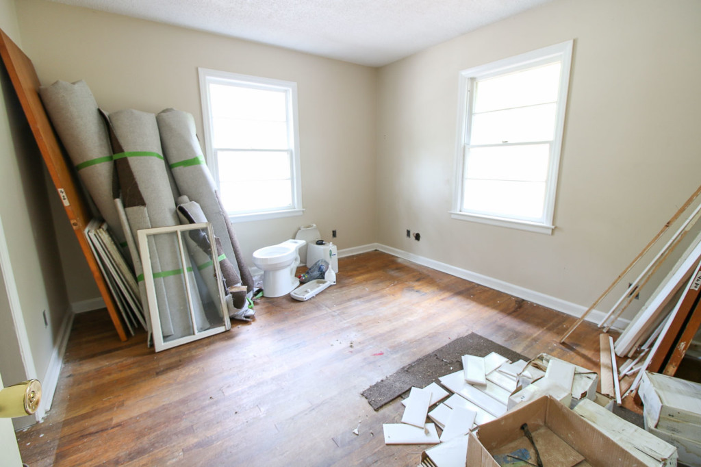 tile and storage in bedroom