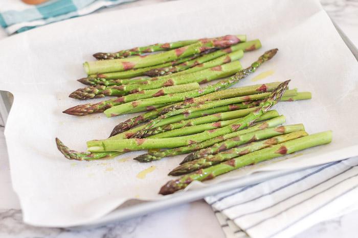 prepped and seasoned asparagus